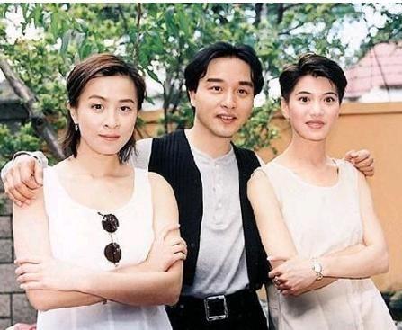 袁咏仪接儿子放学,被吐槽不化妆显老,看过她年