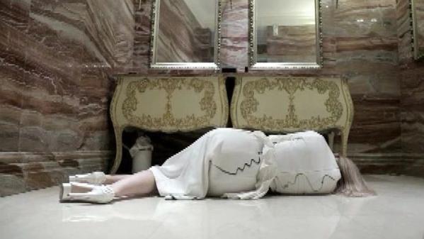 """《健康北京》""""女模特浴室死亡事件""""10月23日18:08播出"""