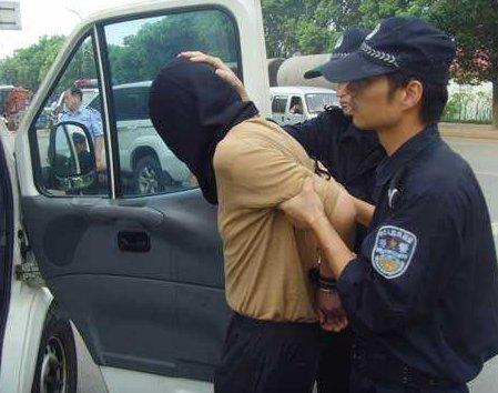 西安警方打击村霸等涉恶团伙49个,抓捕犯罪