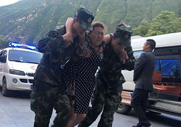 为什么灾难面前中国军队能这样 其它国家军队做不到(图)