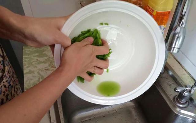 【天下美食】—苦瓜最简单美味的做法,掌握这种新做法,不爱吃苦瓜都能吃一大盘 - 夕阳无限美 - 夕阳无限美欢迎您